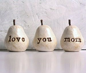 High quality Pears with Engraved Love You Mom Message