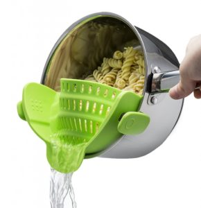 Kitchen Gizmo Snap and Strain Strainer
