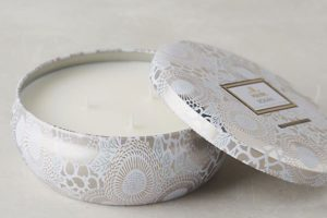 Voluspa Limited Edition Japonica Candle Tin in Mokara